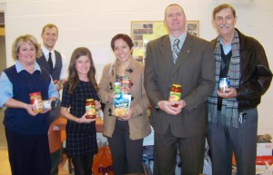 The Oswego Rotary Club demonstrated its support to United Way?s effort to end hunger in Oswego County